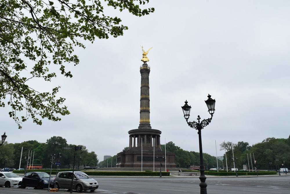 戦勝記念塔(ジーゲスゾイレ)1